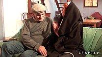 pote son et papy par sodomisee et baisee nonne vieille Une