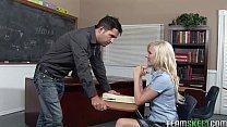 Порно жена страпоном ебет мужа