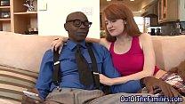 Парень лишает невинности свою девушку порно
