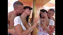 2 horny Milfs = 2 hot scenes : Phyllisha Anne -...