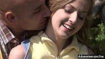 Женщина кончает на эротическом массаже видео