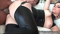 Big ass babe Bobbi Starr gets her tight