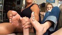 2 girls sexy footjob