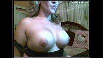 1 hot Blondi