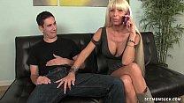 Порно как брат балует младшую сестру смотреть онлайн