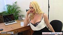 Смотреть видео женщины сбольшой грудью