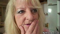 Секс мамы в чулках с большими жопами