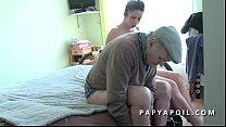 69 le adore qui brunette jolie une baise et chatte la leche Papy