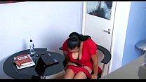 Дома мастурбирует девушка видео скрытая камера