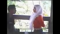 Intip Jilbab Mesum di Taman [3gpgadisdesa.blogs...