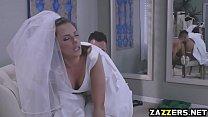 Што делает праститутка с большыми сиськами в кровати