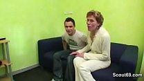 Видео жена раздвинула ноги как гимнастка