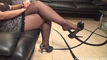 tai phim sex -xem phim sex Erotic high heels dangling by our secretary