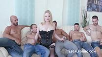 Видео с сексуальной голой девушки с шикарной фигурой большой грудью большой попкой галереи