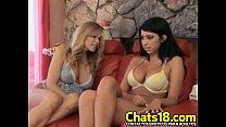 morocha morena masturbando cojiendo lesbianas Hermosas
