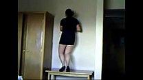 Mamando bailando sexy minifalda buenas piernas espiando