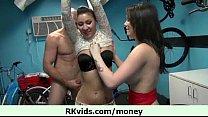Порно видео как сестра ебёца с братом
