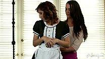 Порно фильмы сестры лезбиянки остались дома одни