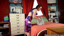 Hot older woman is a compulsive pantyhose mastu...