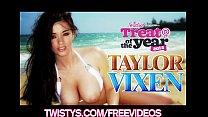 Sexy Halloween Vampire Taylor Vixen masturbates