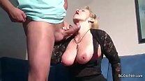 Видео девушка засовывает предмет в уретру