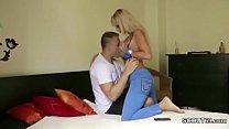 Парень кончает в девушку русское видео