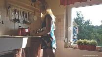 Pantiesparadise - littlebadgirl quickie in der küche thumbnail