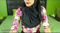 Real Hijab Arab Egypt Masturbates Her Creamy Ar...