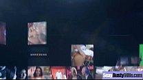Смотрит как мужики растерзали его порно видео