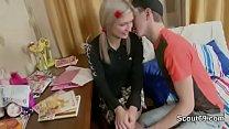 Секс парня с девушкой с поцелуем