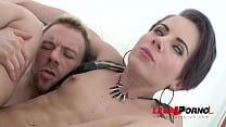 Женщина брюнетка с короткой стрижкой порно