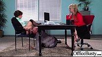 Парень делает масаж парню и трахает его