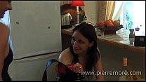 Lesbiennes francaises jouent avec un strap-on d...