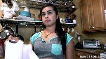 Empregada novinha dá a cona ao patrão