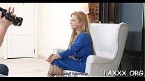 Порно трахнул жестоко свою жену