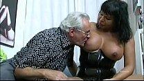 Порно лижет жопу толстому мужику