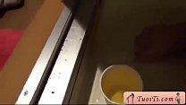 Clip  Siêu phẩm quay lén   tự sướng trong Toilet, cực phẩm chứ chẳng thể đùa - Y porn videos