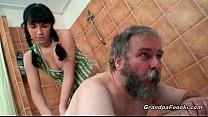 Видео русские девушки дают полизать парням
