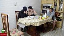 Orgía en el desayuno. Mujer madura y mujer gorda quieren leche GUI002 porn videos