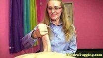 Стоячие женские соски смотреть онлайн