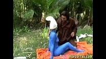 Госпожа заставляет раба лизать киску
