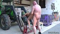 mutti treibt es mit dem handwerker wenn der alt…