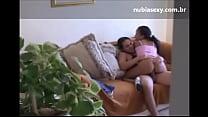 Videos de Sexo Asiática vadia comendo a xereca da prima malhada
