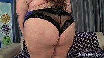 Horny BBW Bella bendz wanks her pussy