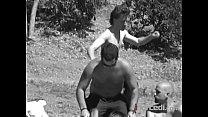 Пацан снимает на камеру как его друг трахаеться