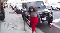 (Video) Kim Kardashian B tt Too Big For Her Tig...