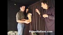 Porno italiano - Mora riccia milf italiana scopata sul divano del set porn videos