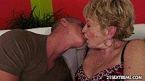 Смотреть видео две сисястые блондинки в офисе у доктора фото 515-741