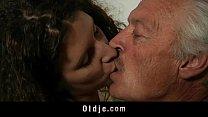 Порно онлайн молодая лилипутка
