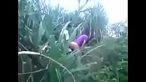 หนุ่มสาวเข้าไปเย็ดกันในป่าแบบนี้ต้องถ่ายเอาไว้สักหน่อยแล้วกัน
